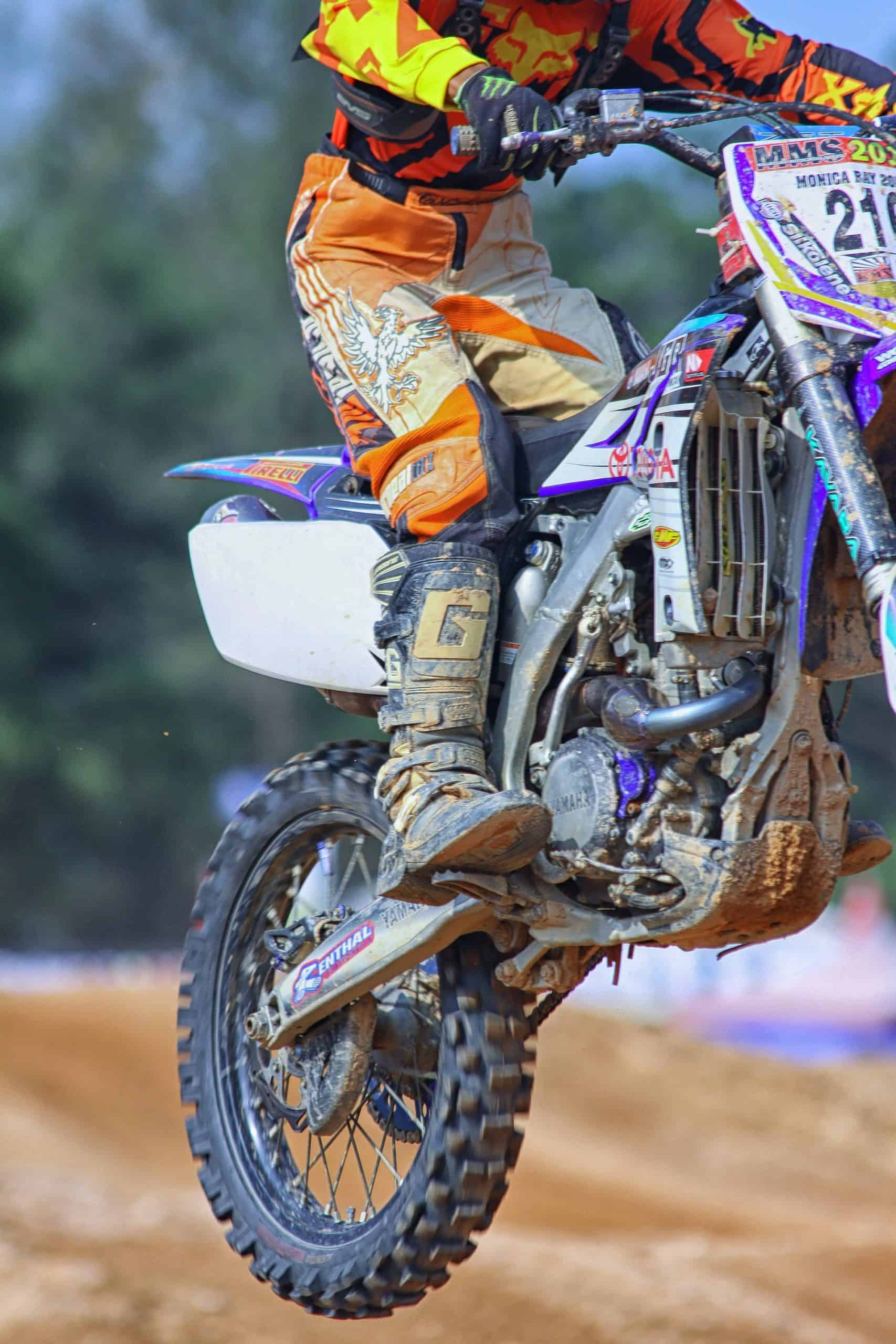 Bike Tires Buying Tips Necessary For Your Dirt Bike