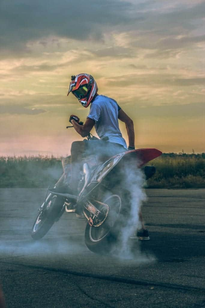 Learn Motor Cross - Basic Speed and Spin Techniques
